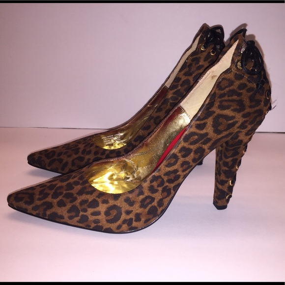 48677827f8d Beverly Feldman Shoes - Beverly Feldman Leopard fabric animal print pump